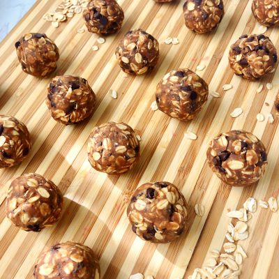Cookie Dough Protein Bites (Raw, Vegan)