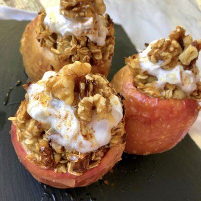 Apple Crisp Stuffed Apples (Few Ingredients & Healthy)
